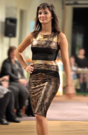 Elegantní koktejlové šaty se vzorem do ozdobných pruhů, vel. 38, 40, 42, 44
