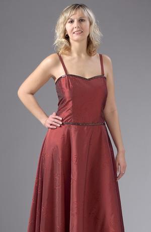 Dlouhé šaty na ples s jemnou výšivkou v měděné barvě.