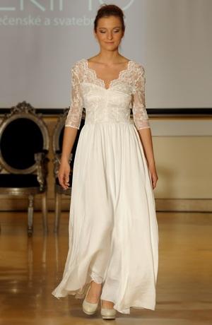 Luxusní šaty z vyšívaného tylu
