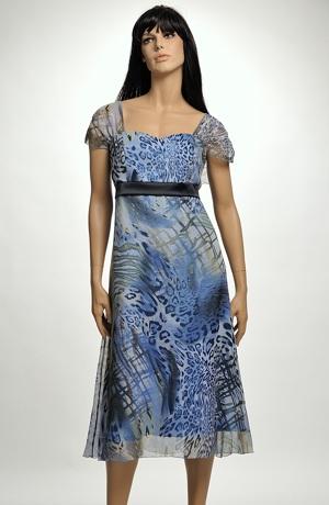 Společenské šaty se zvířecím vzorem vhodné pro vetší velikost