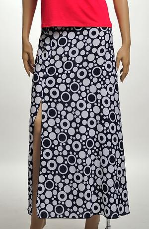 Vzdušná letní sukně se vzorem a rozparkem