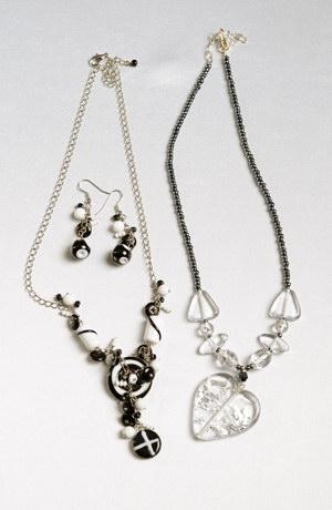 Souprava černobílé ručně foukané skleněné perly