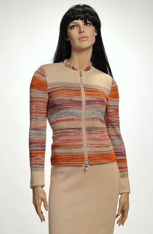 Elegantní dámský pletený kostýmek v přírodní barvě s melírem