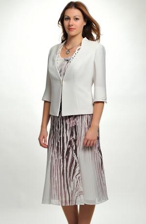 Luxusní kostýmek pro svatebmí matky s elegantním potiskem