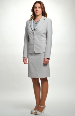 Módní dámský kostým -trojkombinace