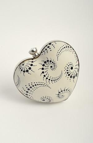 Dívčí kabelka ve tvaru srdíčka