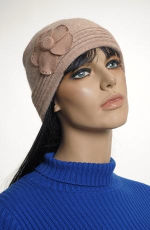 Dámský klobouk - čepice z angory
