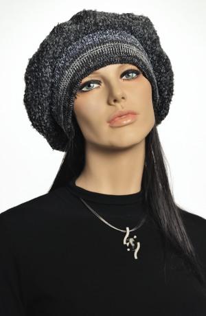 Pletený baret z boucle pleteniny