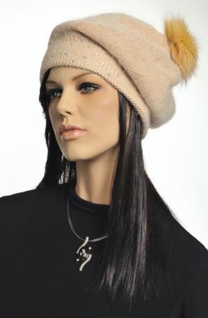 Pletená čepice rezavá s kamínky