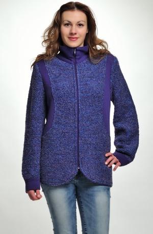 Pletený kabátek se stojáčkem na zip.