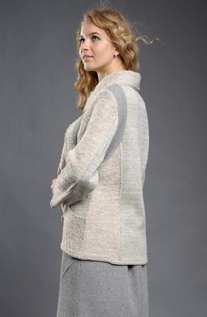 Dámský pletený kabátek z jemného hřejivého boucle