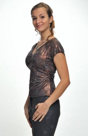 Dámský elastický top s řasením