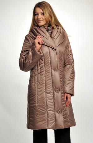 Dámská dlouhá bunda - kabát z módního prošívaného materiálu