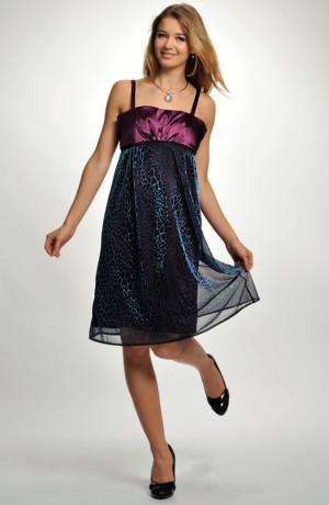 Koktejlové šaty ve stylu babydoll jsou vhodné na ples i do tanečních, vel. 40