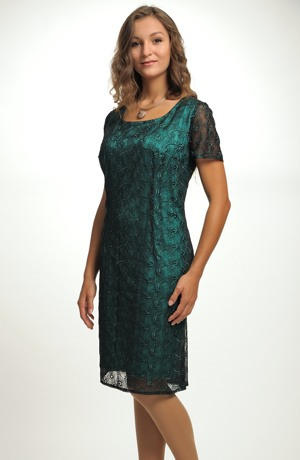 Luxusní společenské a koktejlové šaty z vyšívané krajky na tylu