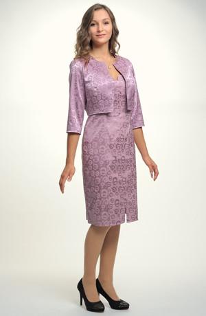 Společenské koktejlové šaty v módní fialové barvě