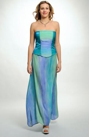 Velmi elegantní korzetový komplet s dlouhou áčkovou sukní z tylu. Velikost modelu 38