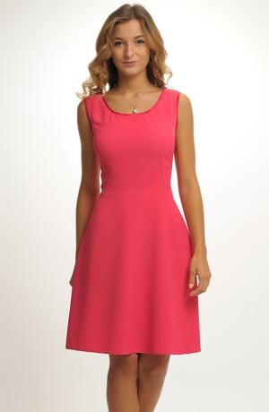 Krátké červené šaty