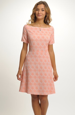 Šaty inspirované retro módou 50.let