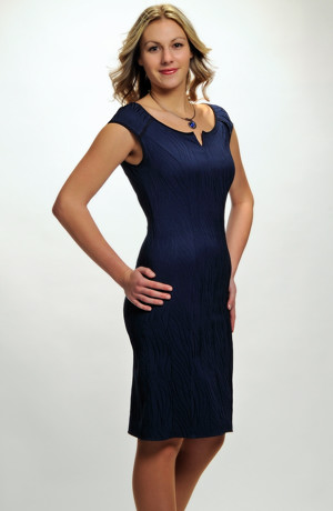 Nadčasové elegantní dámské koktejlové šaty v různých barvách a velikostech - L, XL, XXL