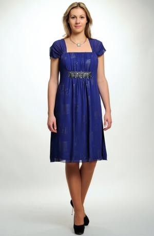Společenské krátké šaty s krajkou stahující řasení, pro velikost 46 / xxl