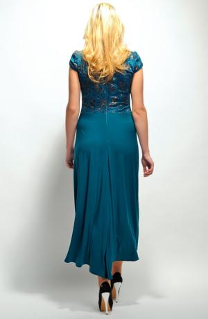 Šaty s krajkovým živůtkem a elastickou sukní lichotí postavě. Velikosti od 34 až do 48