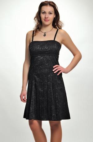Černé dívčí společenské šaty prádlového typu