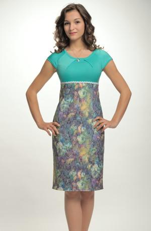 Krátké společenské šaty se sedlem se sklady vel. 38, 40.