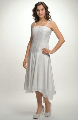 Krátké korzetové šaty na svatbu