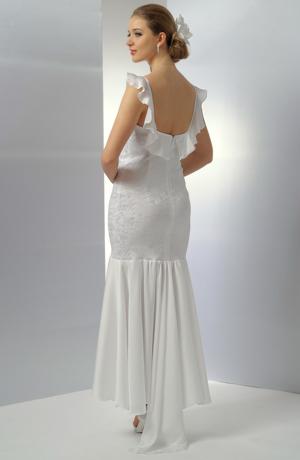 Elastické svatební dlouhé šaty s šifónovým volánem