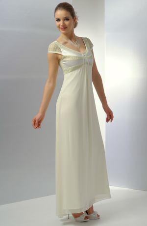 Elegantní svatební šaty do sedla v jemné smetanové barvě