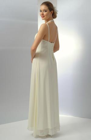 Ramínkové svatební šaty zdobené řaseným šifónem a stažené portou