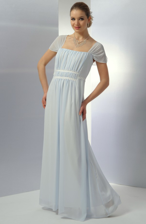 Luxusní dlouhé antické svatební šaty s efektním řasením.