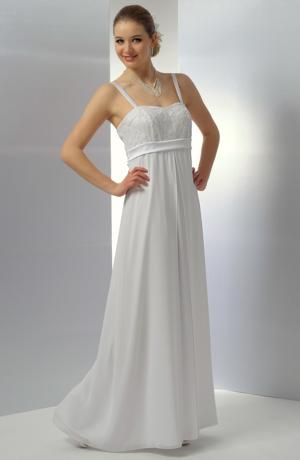 Střihově puritánsky jednoduché svatební šaty s krajkovým sedýlkem