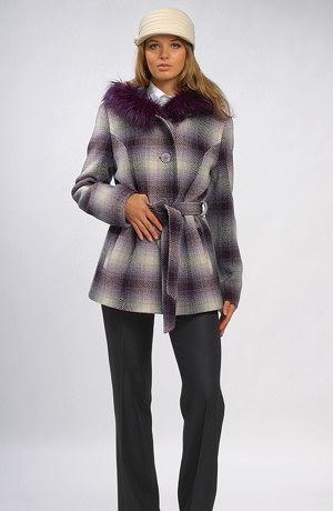 Kabátek dámský v aktuální barevnosti s páskem.