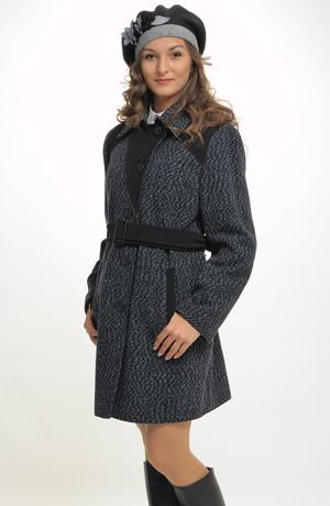 Dámský kabát nad kolena
