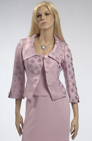 Luxusní vypracovaný kostýmek se sakem