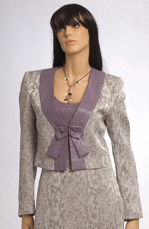 Velmi sofistikovaný, elegantní dámský komplet šatů s bolerkem.