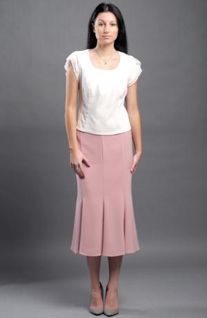 Ekskluzivní dámský kostým a top pro společenské příležitosti.