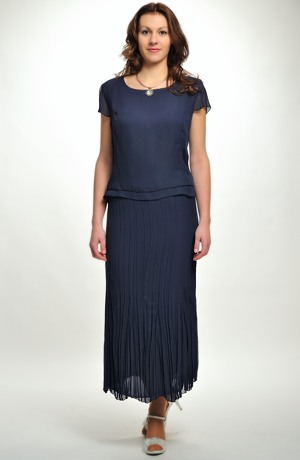 Dámský trojkomplet s krešovanou sukní