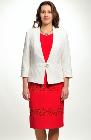 Krátké červené šaty s malými raglánovými rukávky