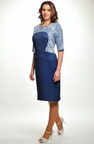 Šaty se vzorem na sedle a rukávkách