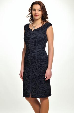 Velmi elegantní pouzdrovky v modré a černé barvě