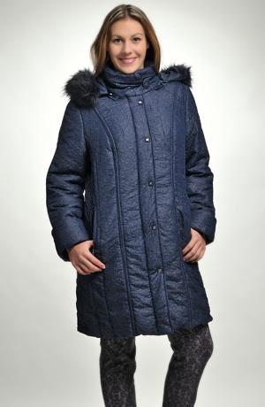 Dámská bunda s kapucí s kožešinou
