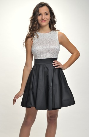 Černobílé šaty vhodné i na párty