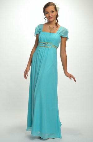 Světlé večerní šaty i pro plnoštíhlé XL a XXL