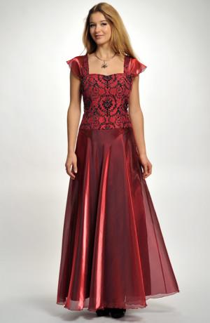 Plesové korzetové šaty pro plnoštíhlé postavy