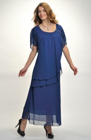 Šifonové šaty s řasením na boku do ozdoby