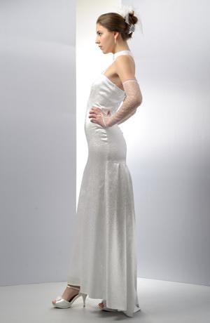 Dlouhé elastické šaty s efektním stojáčkem ve fialkové barvě