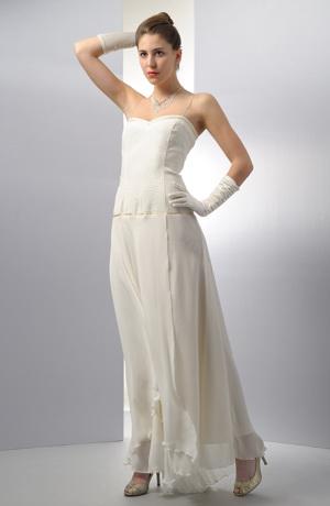 Elegantní korzetové svatební šaty s kolovou sukní.